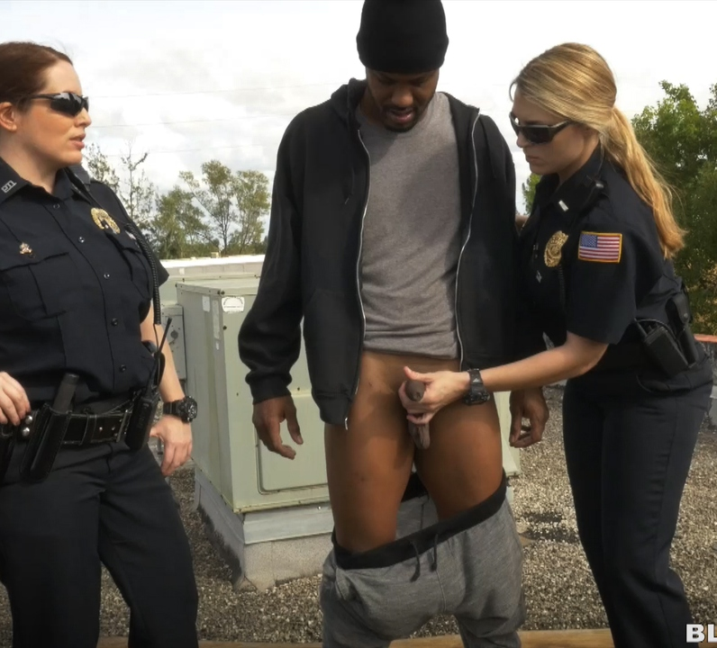 BlackPatrol: Maggie Green, Joslyn - Break-In Attempt Suspect has to fuck his way out of prison  [HD 720p] (1.30 GiB)