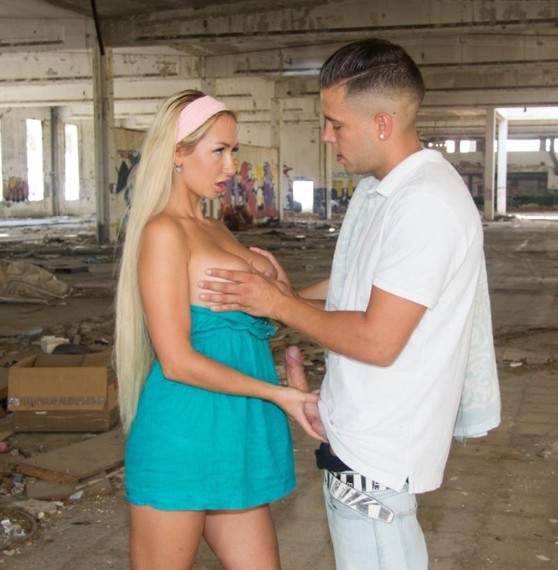ChicasLoca/PornDoePremium - Lara Onyx [Russian teen Lara Onyx gets banged and deepthroated in an abandoned factory] (HD 720p)