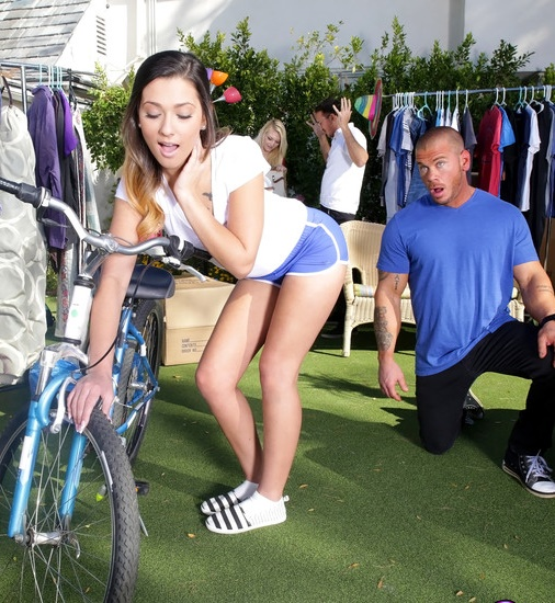 SneakySex/RealityKings: Jaye Summers - Yard Sale  [SD 432p]  (Teen)