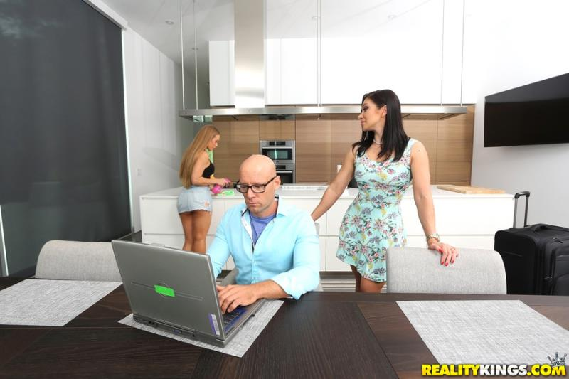 WeLiveTogether/RealityKings: Nicole Aniston, Lea Lexis - Bad Nicole  [SD 432p] (238 MiB)