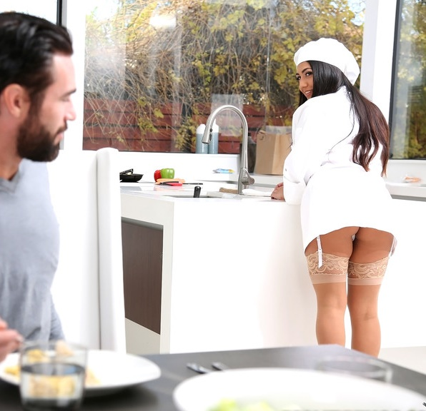 8thStreetLatinas/RealityKings: Lexy Bandera - Spicy Chef  [SD 432p]  (Big tit)