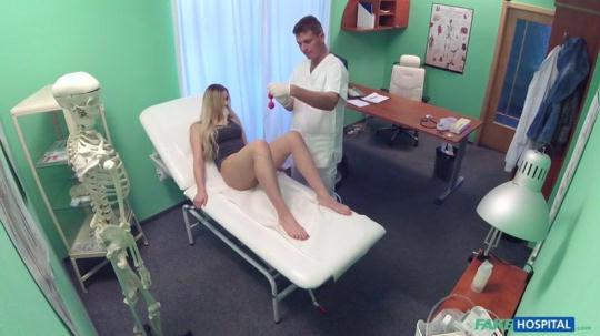 FakeHospital, FakeHub: Katy Pearl - Sexual Surprise in Patient's Pussy (SD/480p/387 MB) 18.01.2017