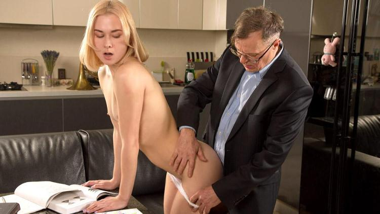 Via Lasciva - Old teacher treats her sexy student properly / 09 Jan 2017 [TrickyOldTeacher / SD]