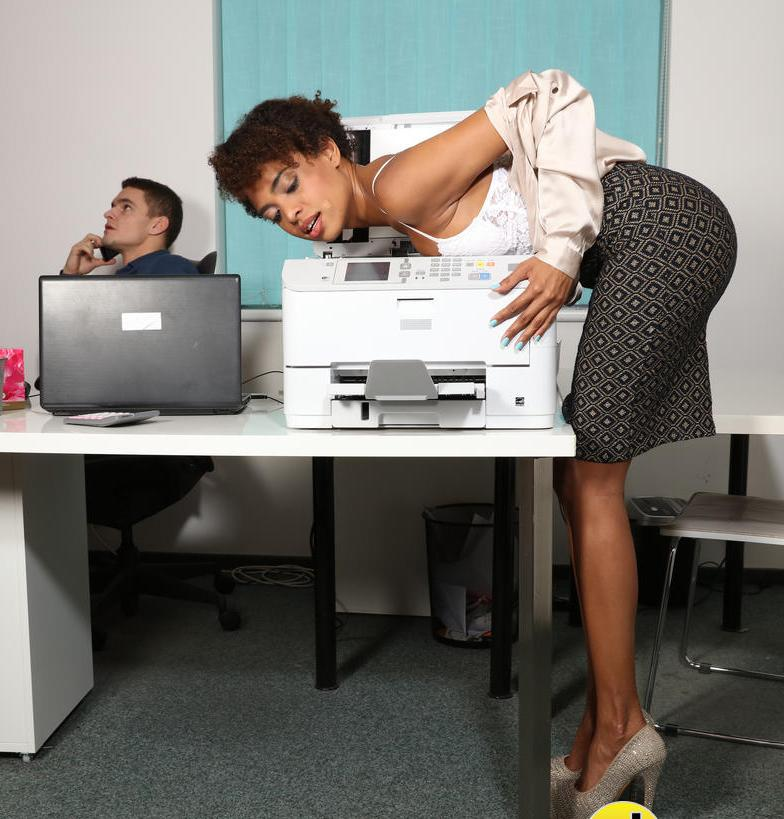 DaneJones: Luna Corazon - Ebony office babe hot for coworker  [HD 720p] (441 MiB)