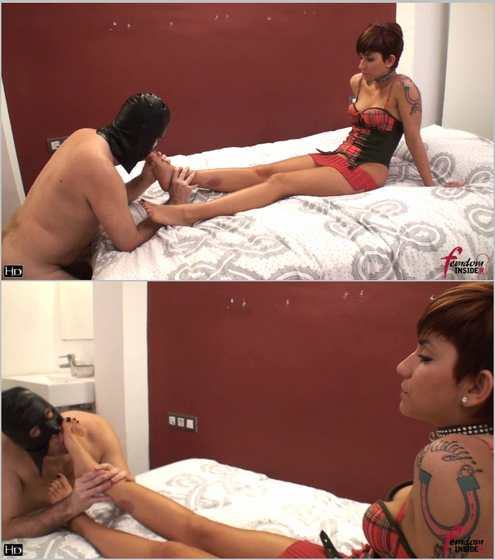 FemdomInsider - Miss Dolce [The Perfect Feet Lick] (HD 720)
