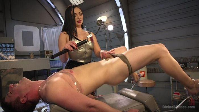 Lea Lexis Presents Her Futuristic Medical Fetish Dungeon (DivineBitches, Kink) HD 720p
