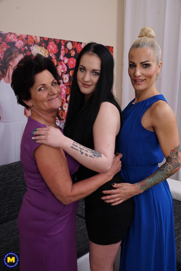 3 old and young lesbians playing with eachother: Annamaria (63), Shauna (18), Tonya (42) - Mature.nl 1080p