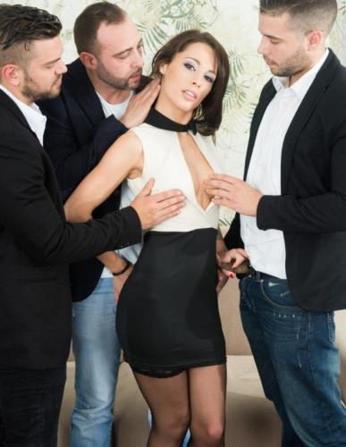 Gets An Anal Creampie In A POV Gangbang - Nikita Bellucci (SiteRip/Private/FullHD1080p)