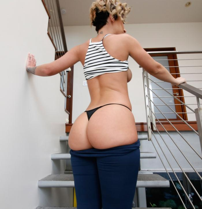 AssParade/BangBros: Jada Stevens - Jada Stevens is the Ass Queen  [HD 720p]  (Anal)