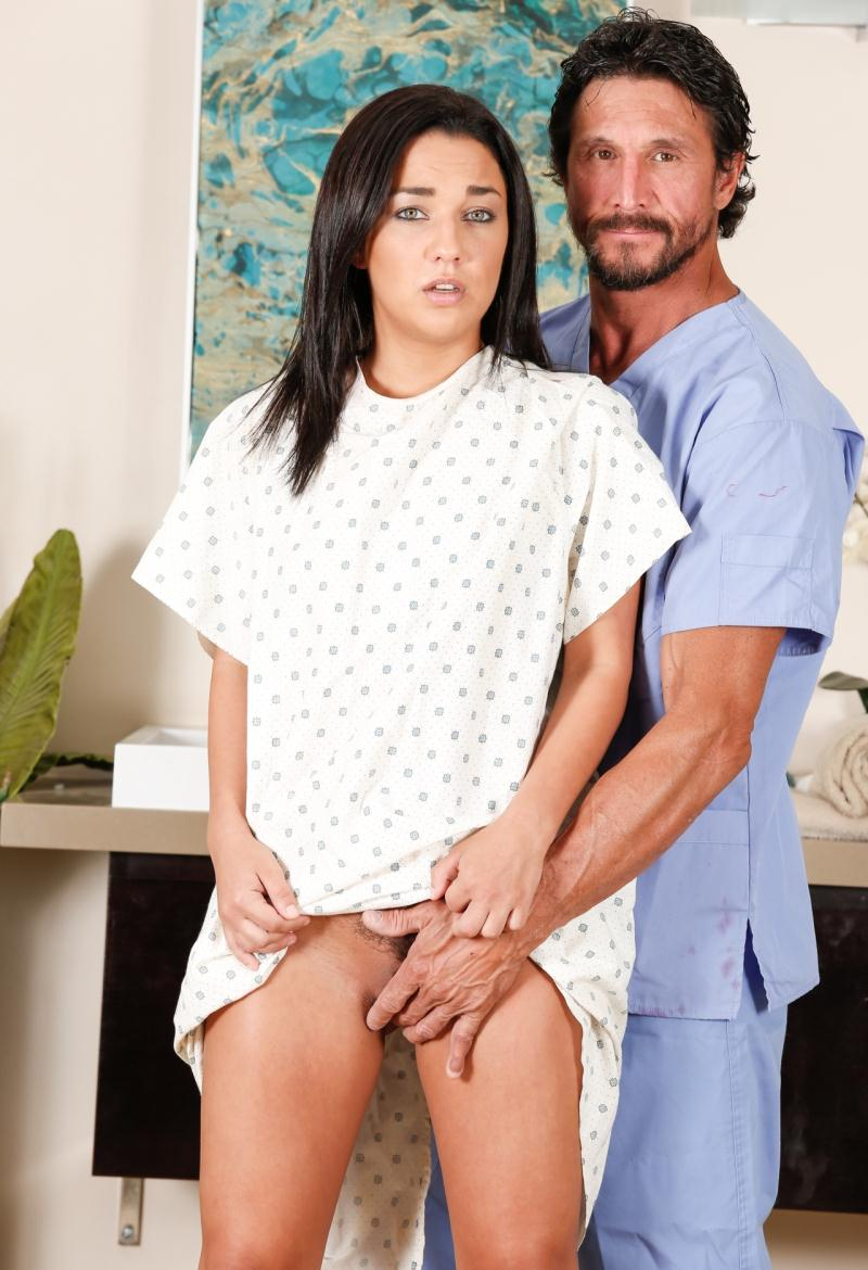 Nurumassage/Fantasymassage: Amara Romani - Obsessed OB GYN  [HD 720p] (691 MiB)