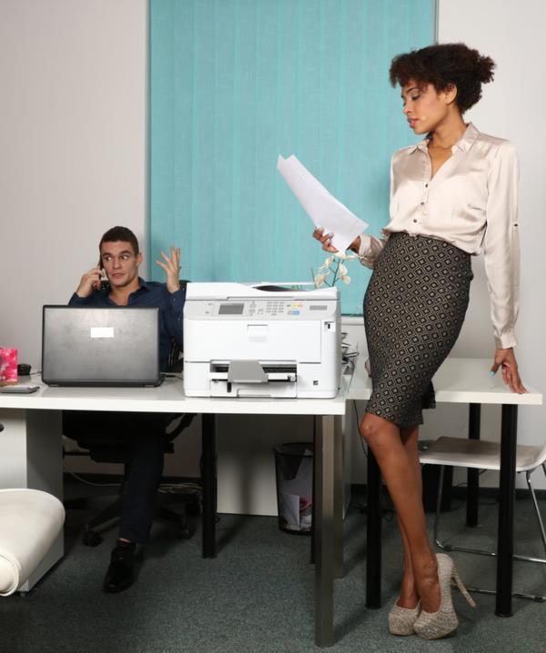 Luna Corazon - Ebony office babe hot for coworker  (DaneJones/SexyHub/SD/480p/263 MiB) from Rapidgator