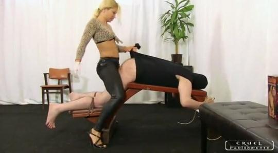 Cruelmistresses, Cruelpunishments: Lady Zita Punished Ass (SD/400p/205 MB) 06.01.2017