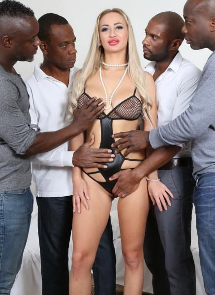 this russian whore definitely needs more men to fill her IV035: Lara Onyx - LegalPorno 480p