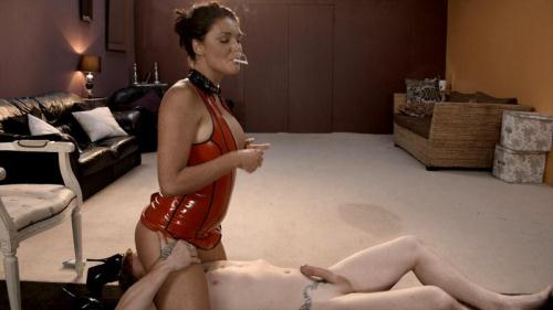 [Mistress Emma Leigh dominates her slave in latex] FullHD, 1080p