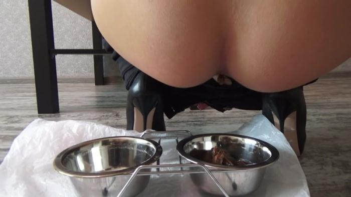 Mistress Emily shit in a bowl - Femdom Scat (Scat Porn) FullHD 1080p