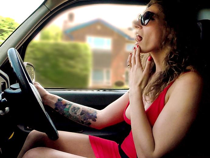 FemaleFakeTaxi/FakeHub - Ava Austen - Cabbie in Red Dress Fucks Her Fare  (480p / SD)