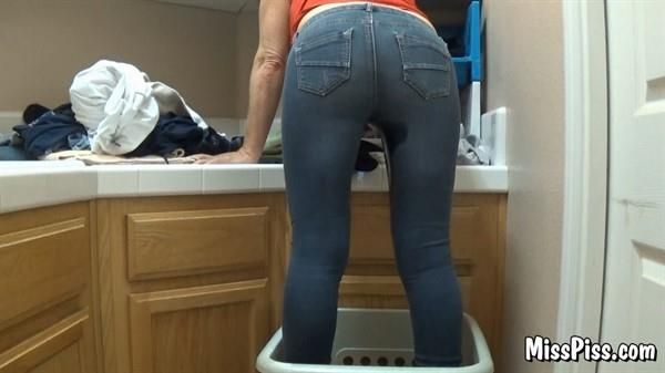Sneaky Pee in Jeans - Miss Piss - MissPiss.com