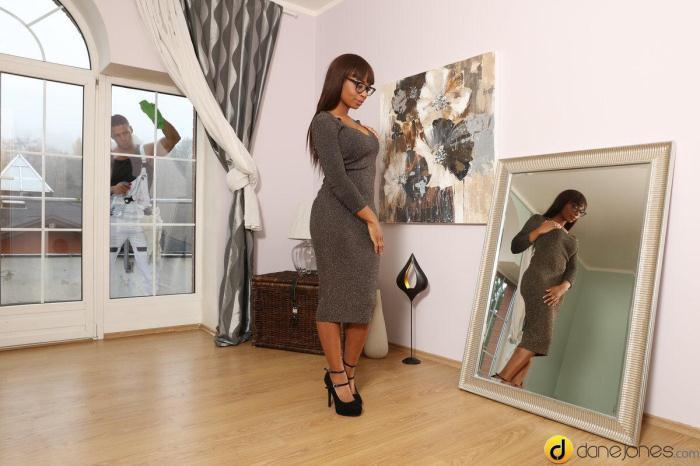 DaneJones.com / SexyHub.com - Lola Marie - UK ebony babe given a hard Brexit [SD, 480p]