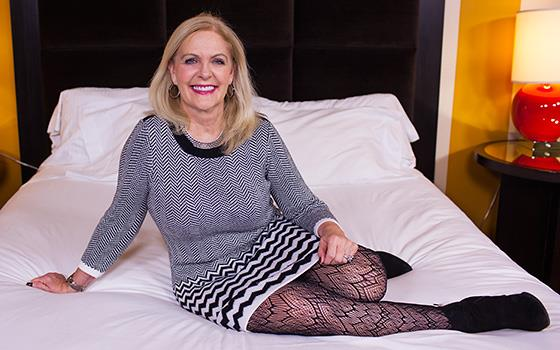 (MomPov | HD) Anita - 48 year old politicians wife is closet frea (2.46 GB/2017)