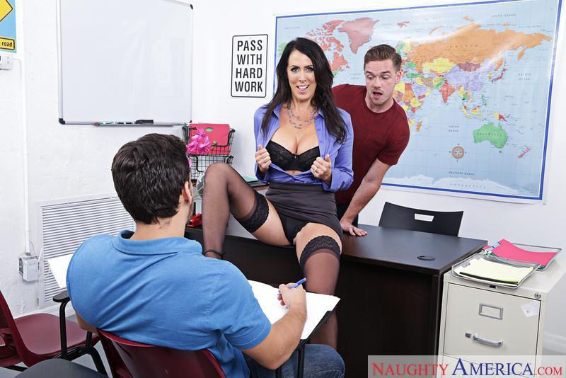 MyFirstSexTeacher.com / NaughtyAmerica.com: Reagan Foxx - American Sex Teacher [SD] (241 MB)
