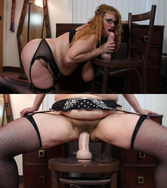 Slutty busty milf fucks herself in hairy pussy huge dildo [HD/2017]