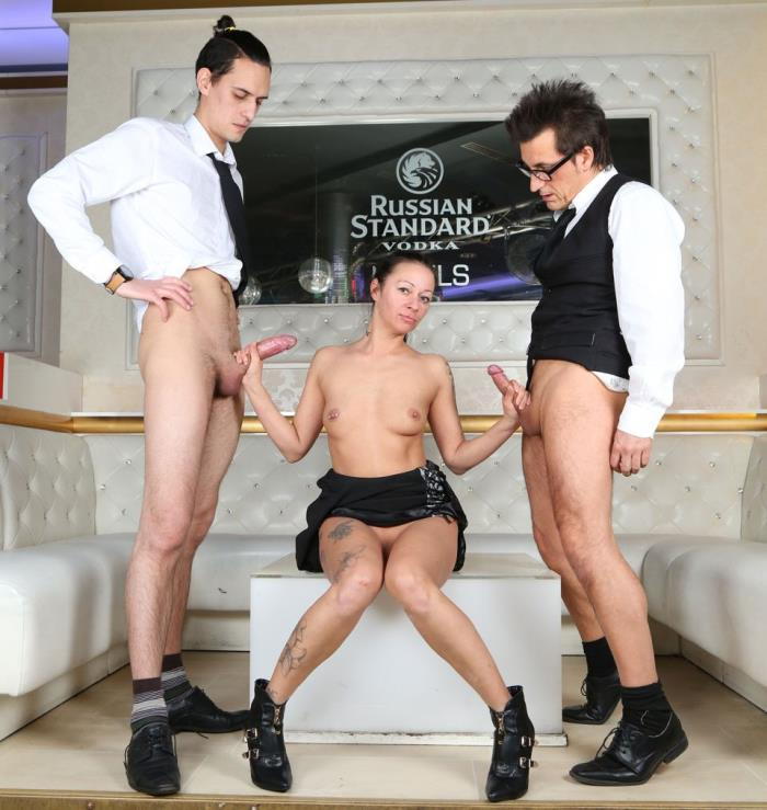 Hauptstadt-Porno: Mareen De Luxe - Fancy Threesome  [FullHD 1080p]  (Group)