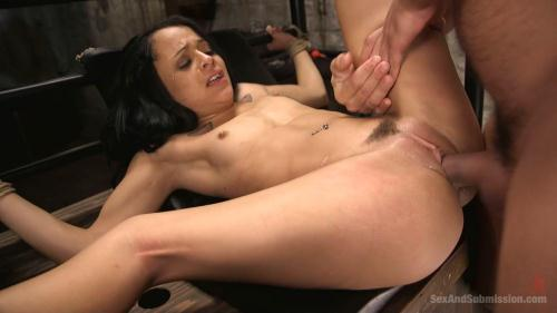 Holly Hendrix - The Debt Collector [HD, 720p] [SexAndSubmission.com / Kink.com]