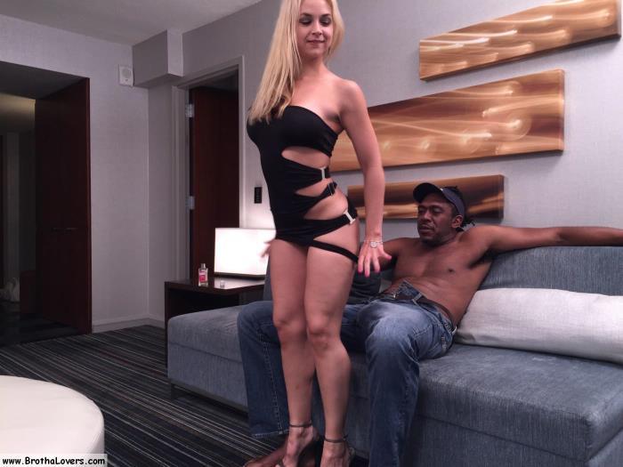 InterracialSexx.com - Sarah Vandella - Sarah Vandella & Dredd [FullHD 1080p]