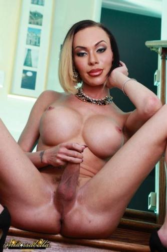 Mia-Isabella.com [Mia Isabella - Jacking Off on the Steps] HD, 720p
