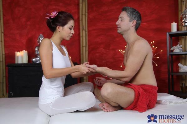 MassageRooms, SexyHub - Paula Shy - Deep sensual orgasm for Asian babe [SD, 480p]