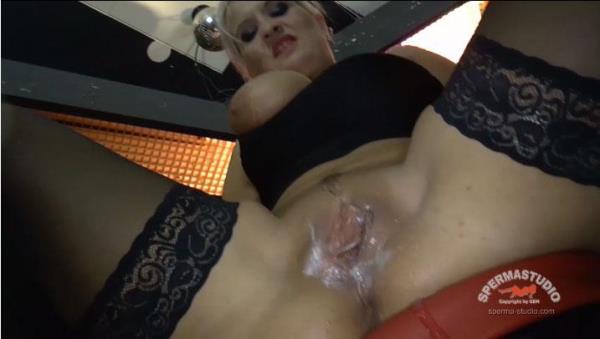 Barfuck Heidi Hills: Heidi Hills - Sperma-Studio 1080p