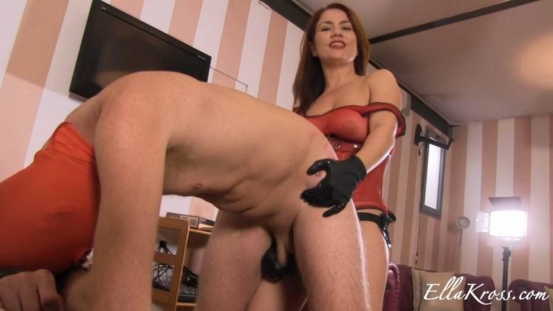 EllaKross.com: Abusing My Slave with a Strap-On [FullHD] (169 MB)