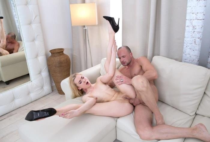 Gapeland.com / 21Sextury.com - Via Lasciva - Naughty Via's Gaping Ass [SD, 544p]
