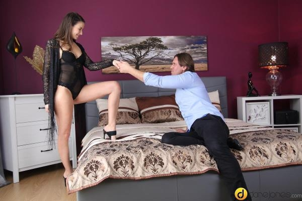 Yenna Black - Horny Czech nymph loves her big man - DaneJones.com / SexyHub.com (SD, 480p)