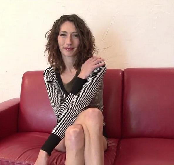 LaFranceaPoil: Gabriela - Gabriela, belle brune de 28 ans, se fait exploser le cul lors de son casting! (HD/2017)