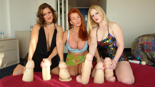 Three Girl Toy Fun: Denni O, Sascha - DenniO 480p