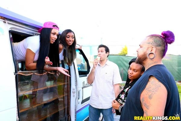 MoneyTalks.com / RealityKings.com - Raven Wylde, Bethany Benz - I Scream 4 Ice Cream (SD) 444 MB