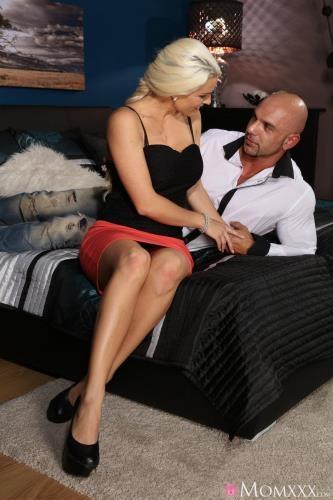 Blanche Bradburry - Hot creampie served up for blonde (09.02.2017/MomXXX.com / SexyHub.com/SD/480p)