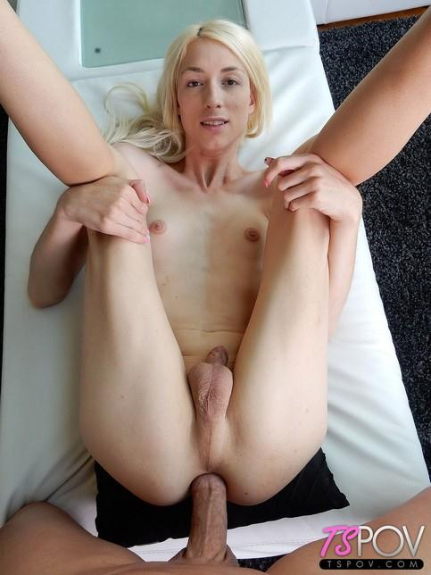 Holly Parker - Tall Stunning Blonde Holly Gets Fucked Hard [FullHD/1080p/1.40 GB]