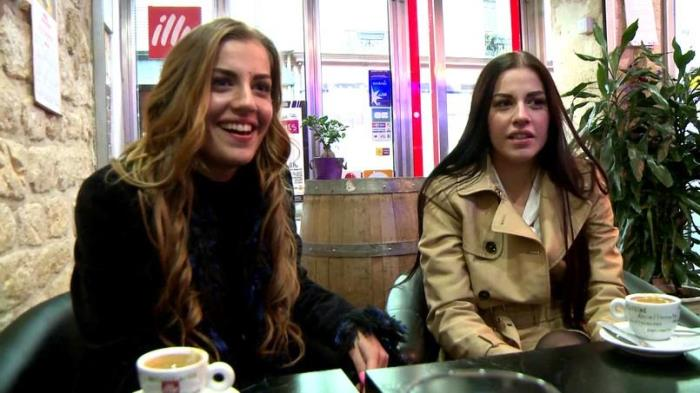 JacquieEtMichelTV/Indecentes-Voisines - Dellai Twins - Nous sommes deux soeurs jumelles! [SD 480p]