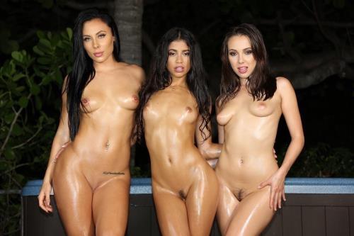 VeronicaRodriguez.com [Veronica Rodriguez, Gianna Nicole, Jenna Sativa - Hot Tub Girls] FullHD, 1080p