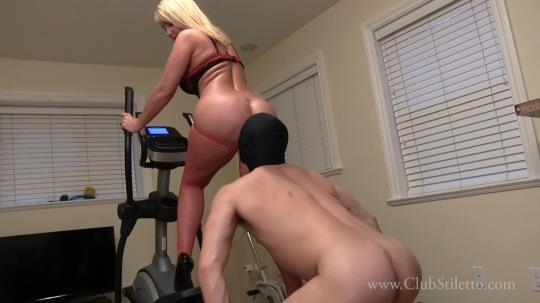 Clubstiletto: Mistress Kandy - Suck The Sweat From My Ass, Pits and Tits (FullHD/1080p/629 MB) 21.02.2017