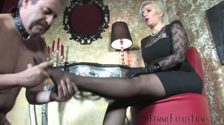 Mistress Johanna - Passion For Feet Part 3 Of 3 / 02.02.2017 [FemmeFataleFilms / HD]