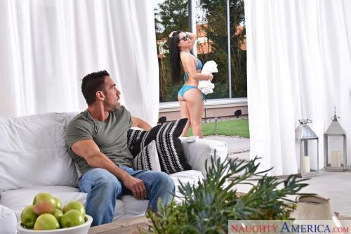 MyWifesHotFriend.com / NaughtyAmerica.com [Cindy Starfal] SD, 360p