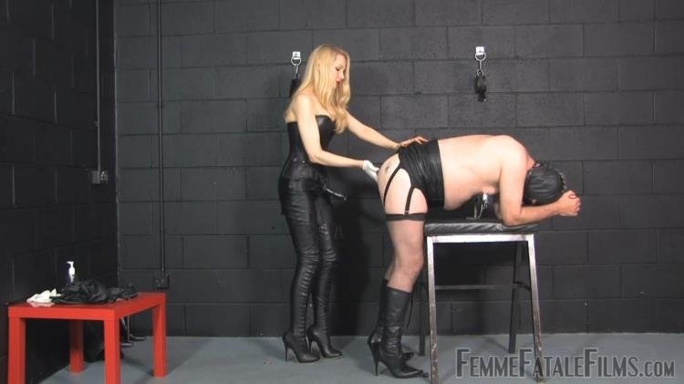 Leather Slave / 21 Feb 2017 [FemmeFataleFilms / HD]