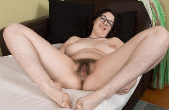Tamar, 26 years old, USA (WeAreHairy) HD 720p