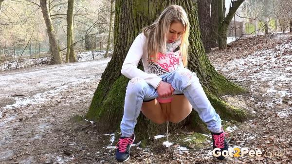 Amateur NEW! Woodland (06.02.2017) [Got2Pee 1080p]