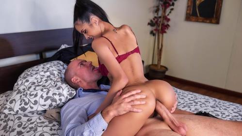 BrazzersExxtra.com / Brazzers.com [Abby Lee Brazil - Slut Hotel: Part 1] SD, 480p