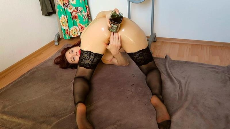 ManyVids.com: Mylene - Messy ass fisting recorded Skype session [FullHD] (1.27 GB)
