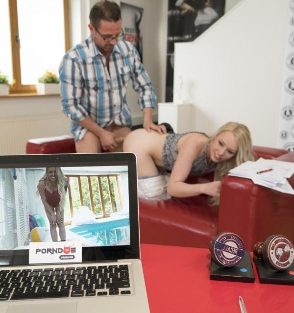 Lola Taylor - Hot blonde Russian pornstar Lola Taylor gets facial in steamy casting sex (ExposedCasting) [HD 1080p]